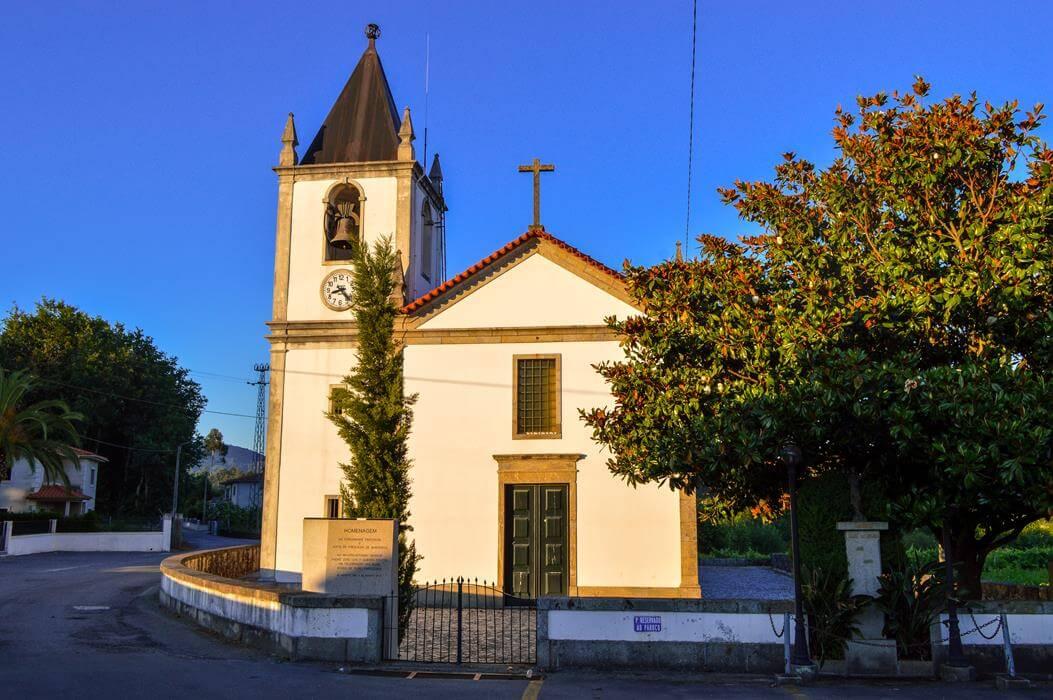 Igreja Paroquial de Barreiros